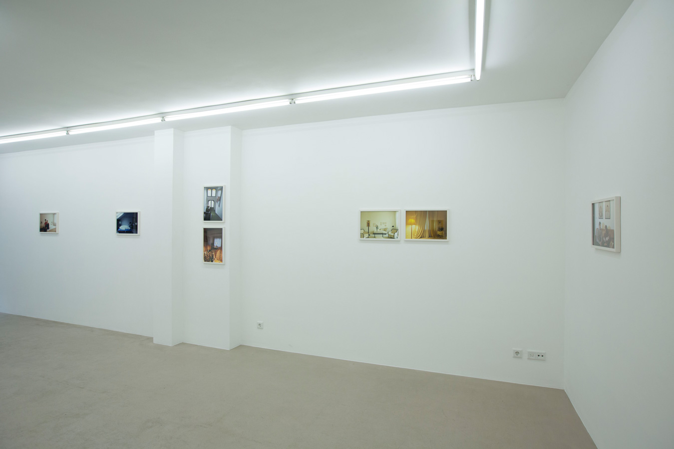 Ornis-A.-Gallery---Thomas-Mayer---Wohnpotraits-exhibition-view-1