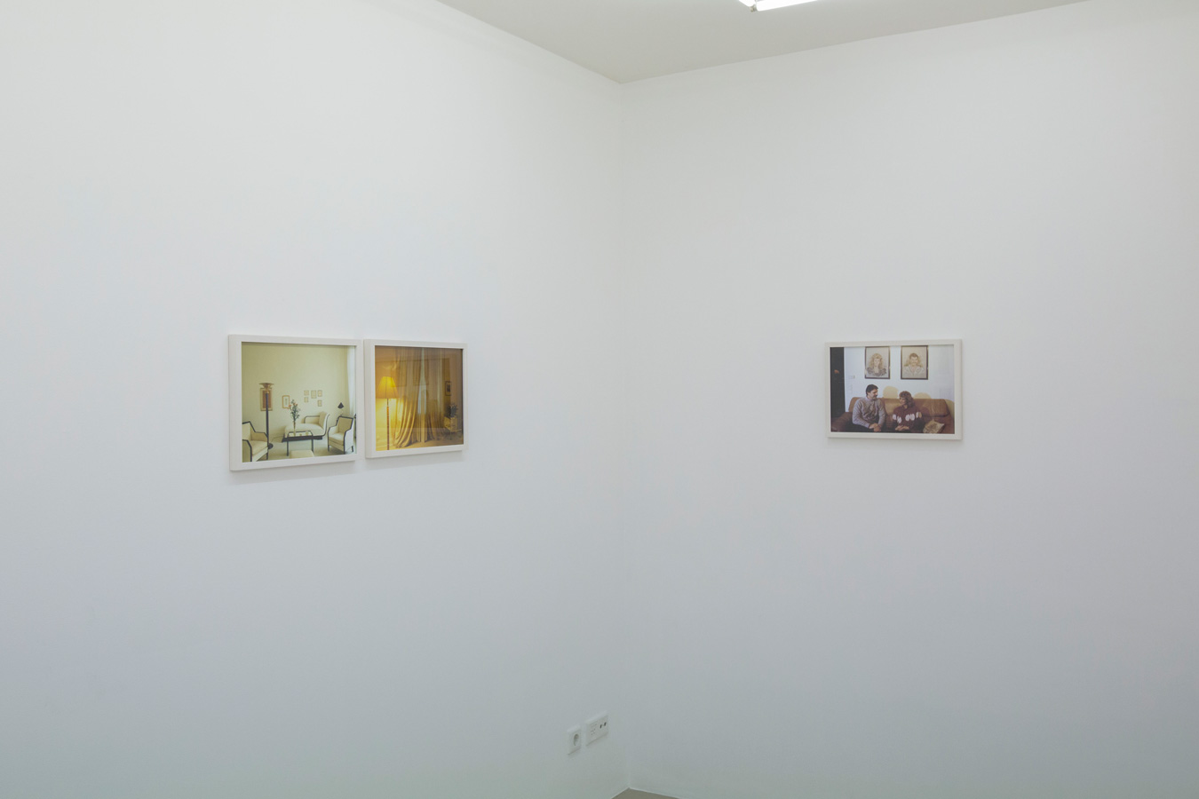 Ornis-A.-Gallery---Thomas-Mayer---Wohnpotraits-exhibition-view-5