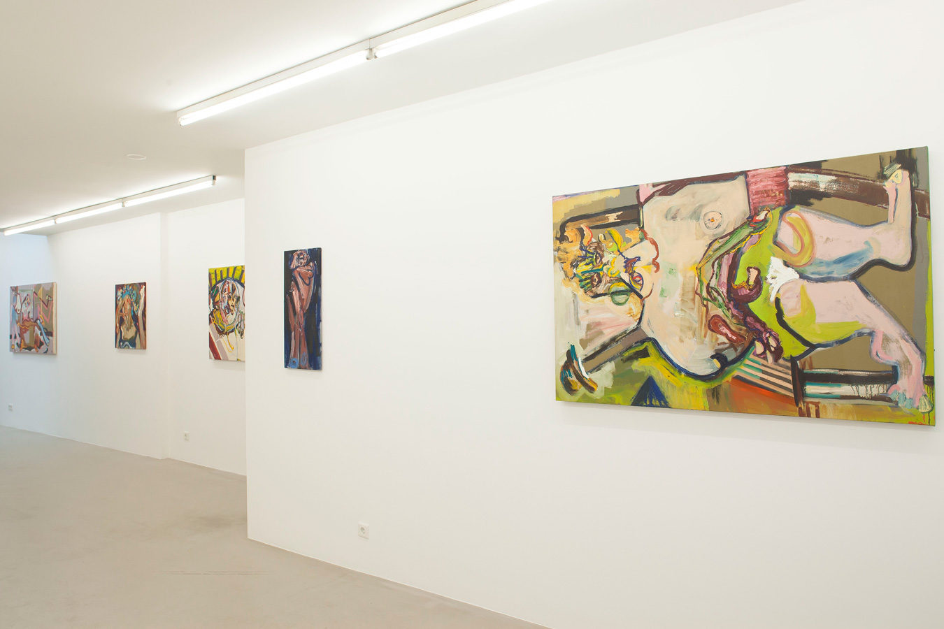 Ornis-A.-Gallery---exhibition-view-youth-and-beauty-parada---Jay-Miriam-1